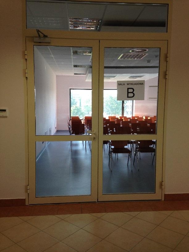 Wejście do sali wykładowej B.